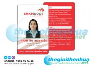 In thẻ nhân viên cho công ty Smart Door